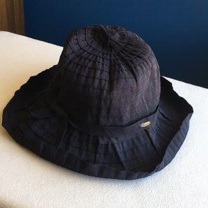 Scala black lightweight and crushable sun hat